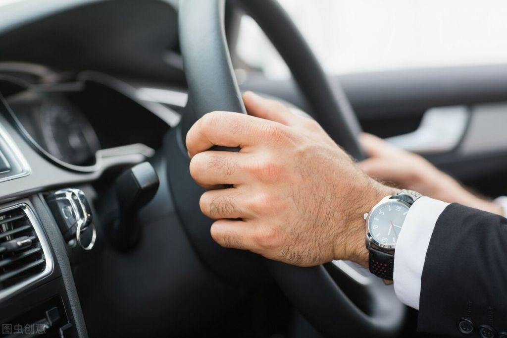 老司机都说半联动会伤车,为什么教练车能用半联动,私家车却不行