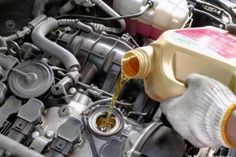 小车换一次机油多少钱