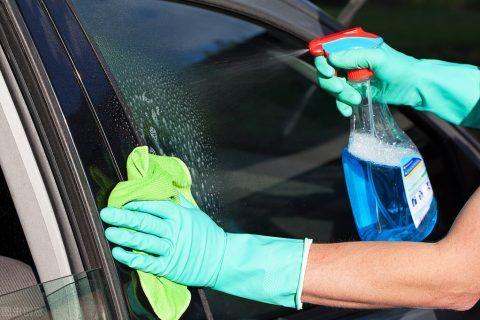 玻璃清洗剂能不能当汽车玻璃水使用