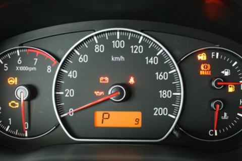 转速表黄色感叹号什么意思 这些功能你不知道