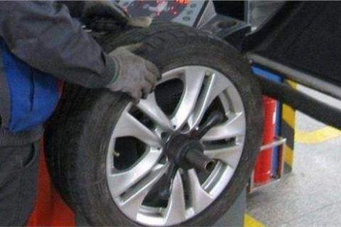 汽车做个动平衡一般多少钱(动平衡和四轮定位区别)